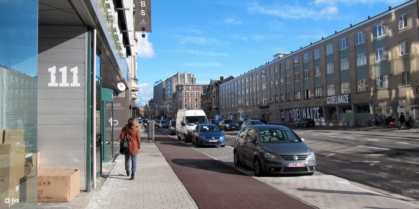 Plantin en Moretuslei in Antwerpen na heraanleg Noordzijde in Borgerhout