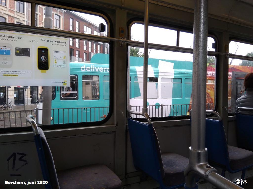 beschilderde tram